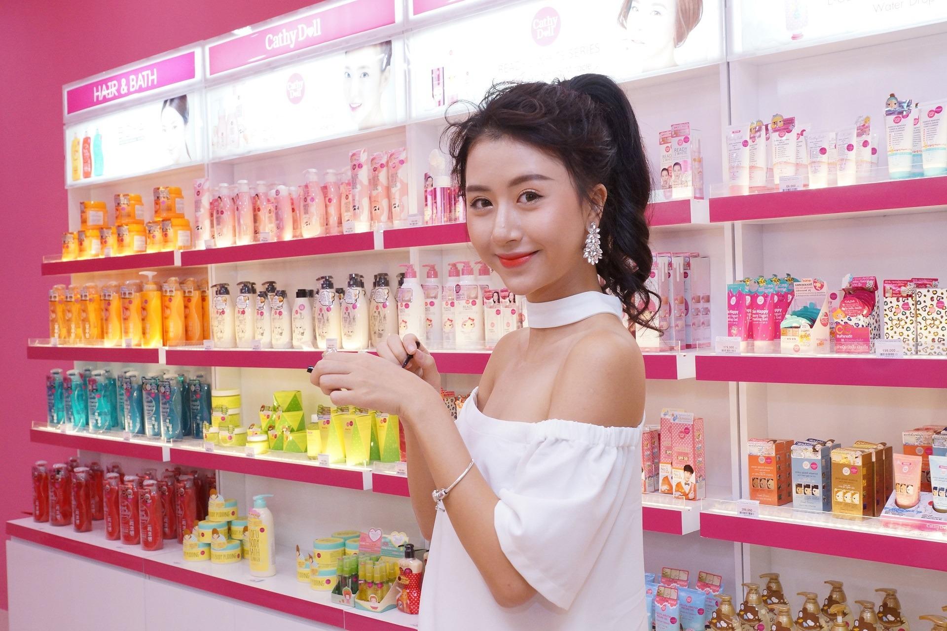 Rút ruột chia sẻ kinh nghiệm mở cửa hàng kinh doanh mỹ phẩm online