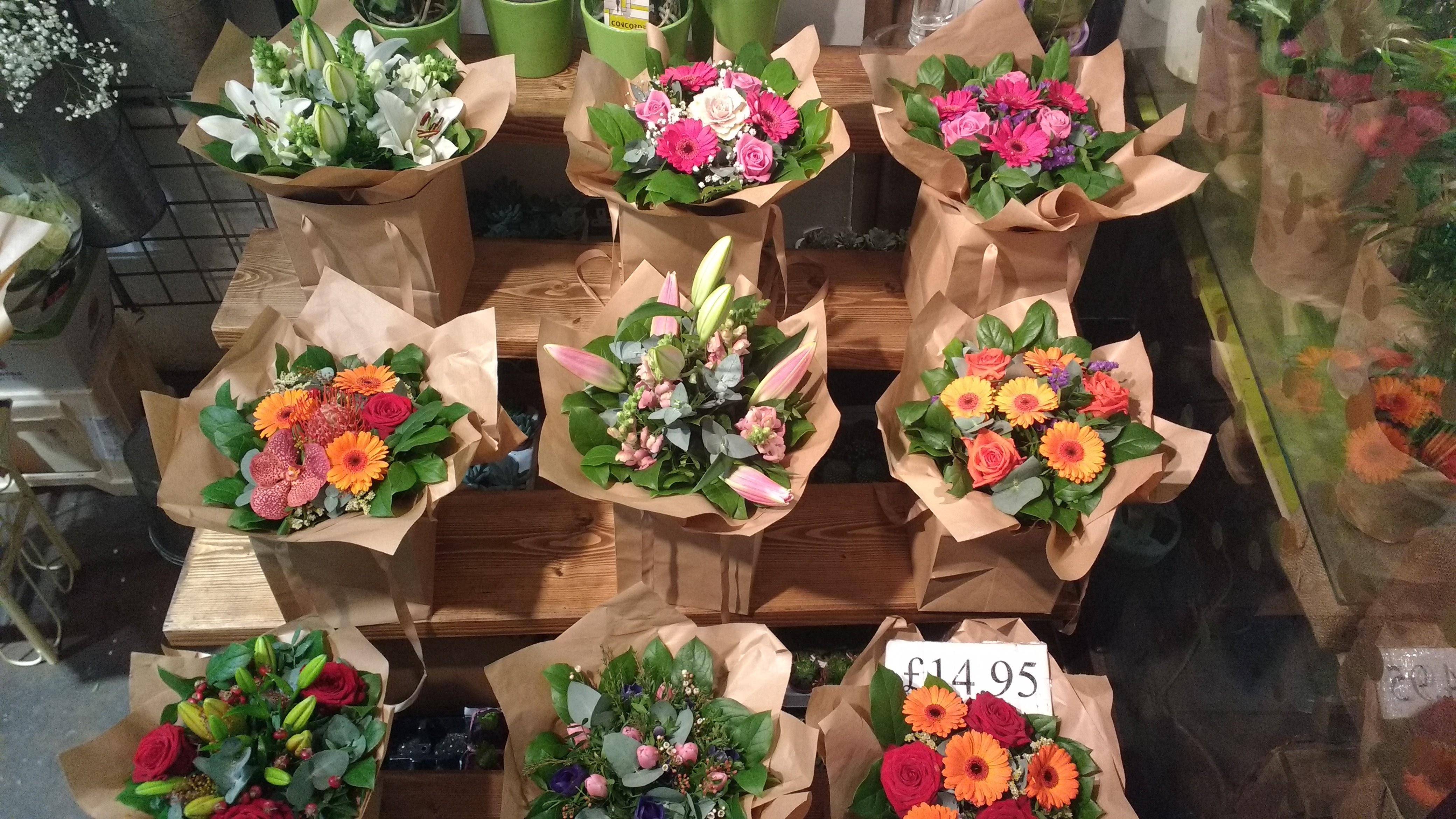 Kinh nghiệm mở cửa hàng hoa tươi đắt khách không phải ai cũng biết
